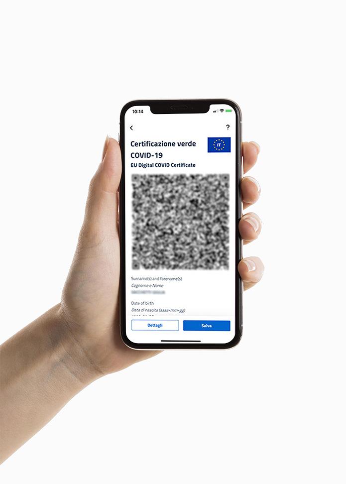 smartphone con certificato vaccinale green pass